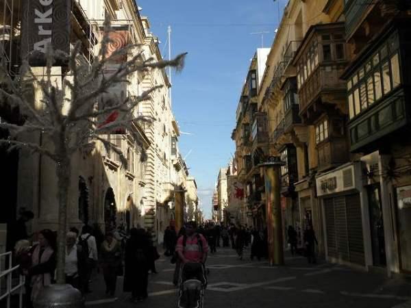 首都バレッタの町並み:マルタ旅行
