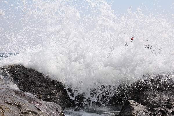 外国人の友達が撮った波しぶき