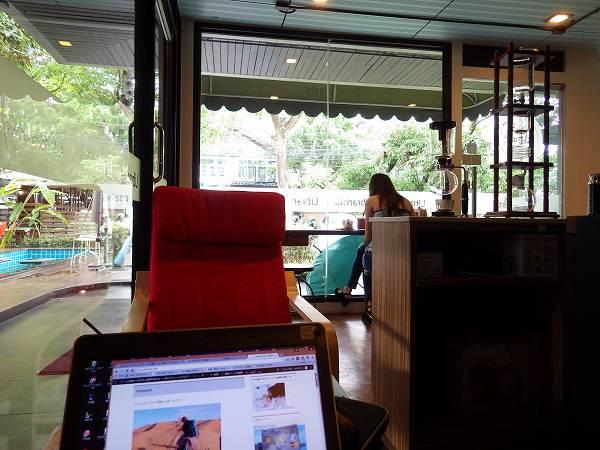 チェンマイのカフェでノマドワーク♪