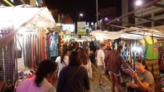 チェンマイ:ナイトバザール観光