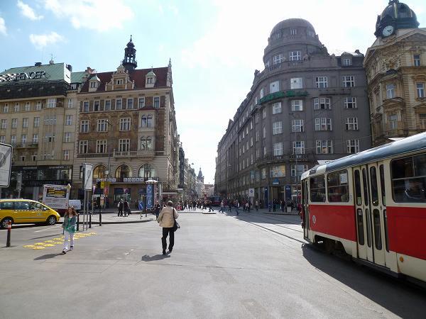 プラハに到着!路面電車が可愛いかった