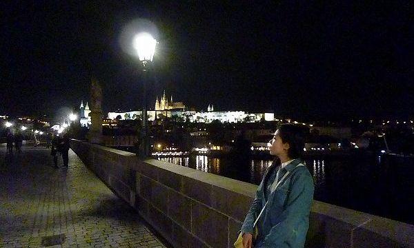 夜のカレル橋の景色inプラハ