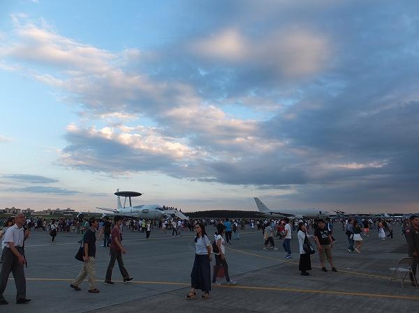 横田基地日米友好祭:飛行機戦闘機見学