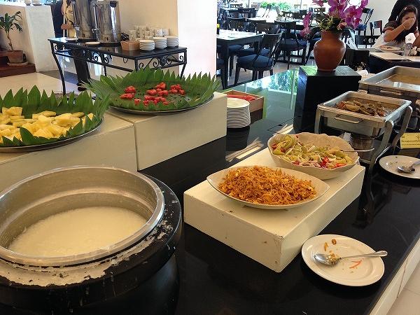 海外ノマド生活:チェンマイ4つ星ホテルの朝食