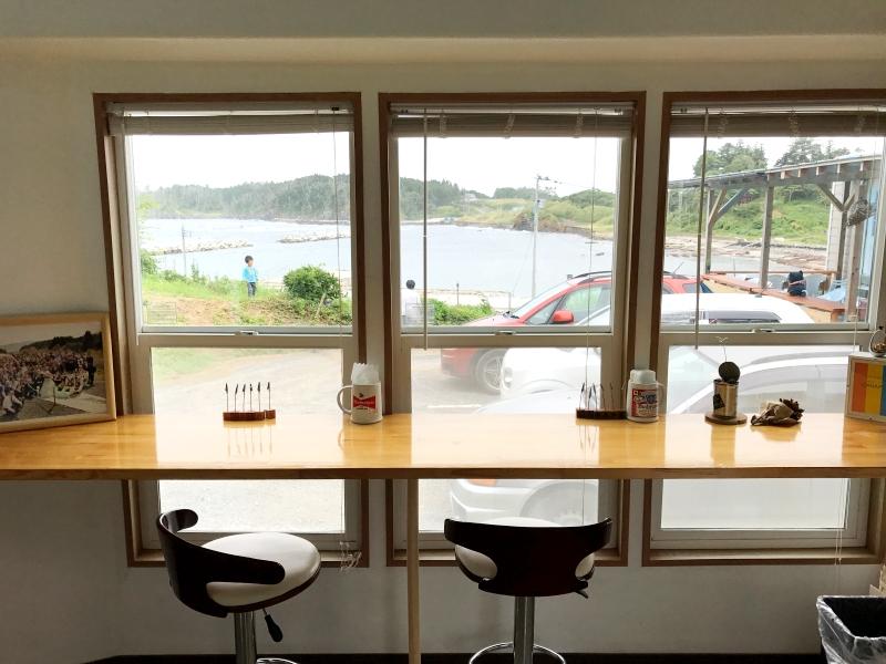 南三陸:カフェかなっぺのカウンター席