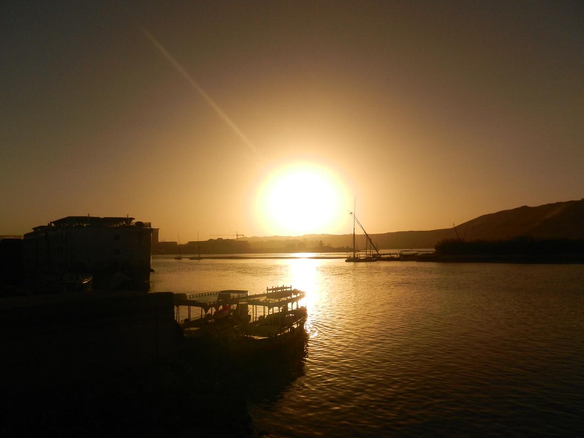 エジプト・アスワン旅行・舟で落ちる3