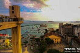Dźwig-winda łączący górne i dolne miasto. Salvador de Bahia