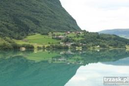 Jezioro polodowcowe w okolicy Jostedalsbreen, Norwegia