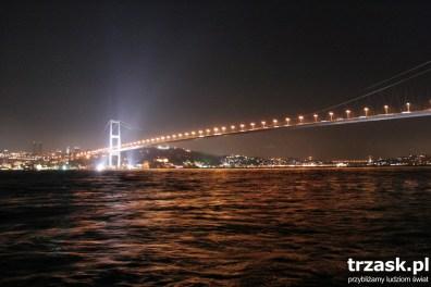 Most łączący Europę i Azję, cieśnina Bosfor, Istambuł