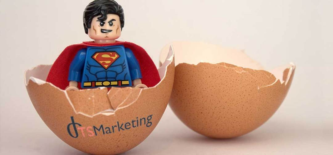 oeuf cassé superman naissance de TS-Marketing