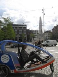 Taxi a téren