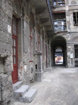 Épület a Király utcában