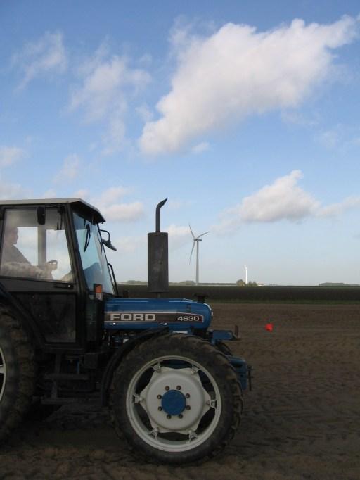 Traktor driving...