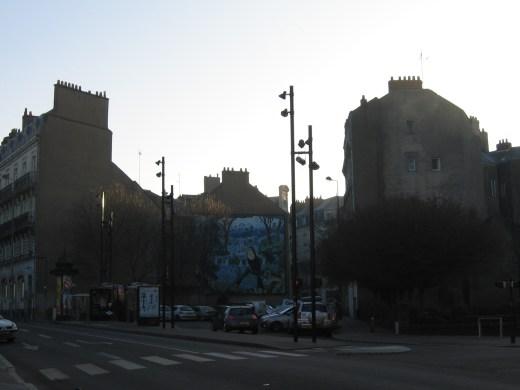 Hotel de Ville (városháza) előtt