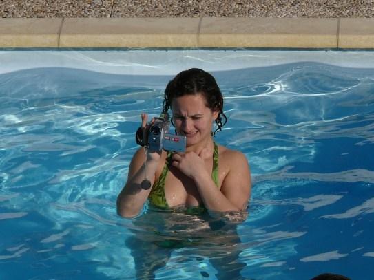 Videózás a medencében :D