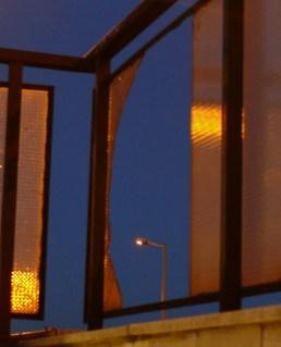 Törött üveg lámpavas