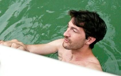 Zoli a vízben