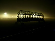 Lóvesenypálya ködben