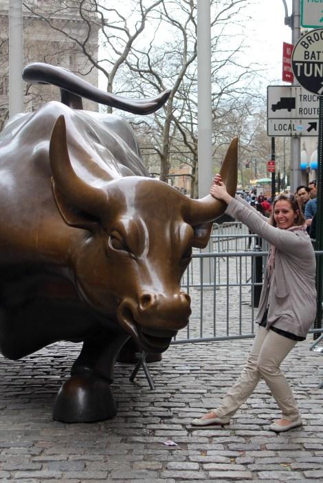 Bikával / avec le taureau de Wall street