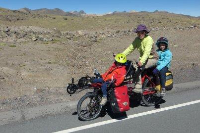 Triplette : transport en commun !