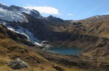 Au fond, le Paso Palomani à 5100 m