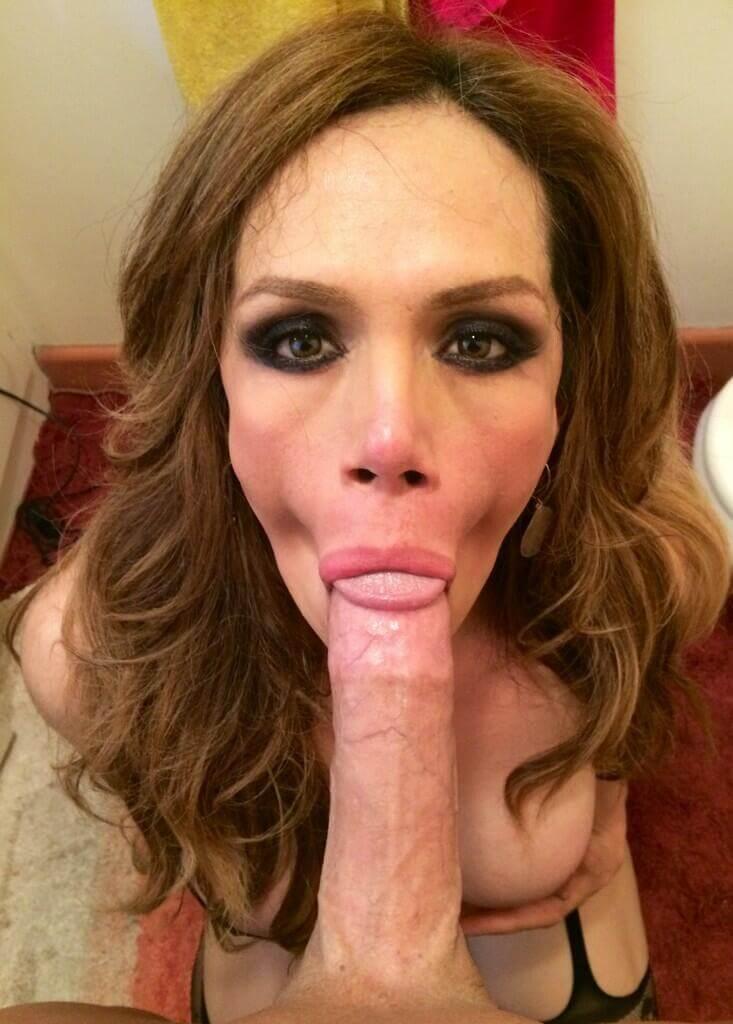 Sofia Sanders pure ts blowjob
