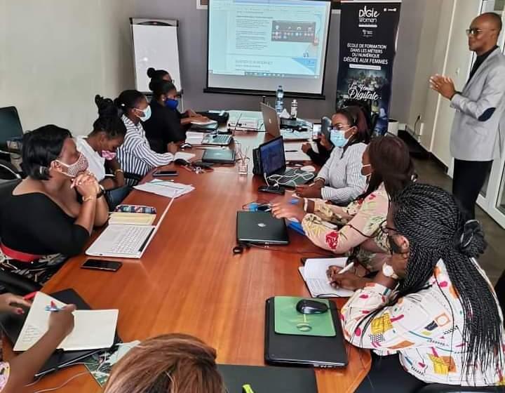 """Gabon/Journée internationale des droits de la femme: """"Digie Women School"""" digitalise les femmes"""
