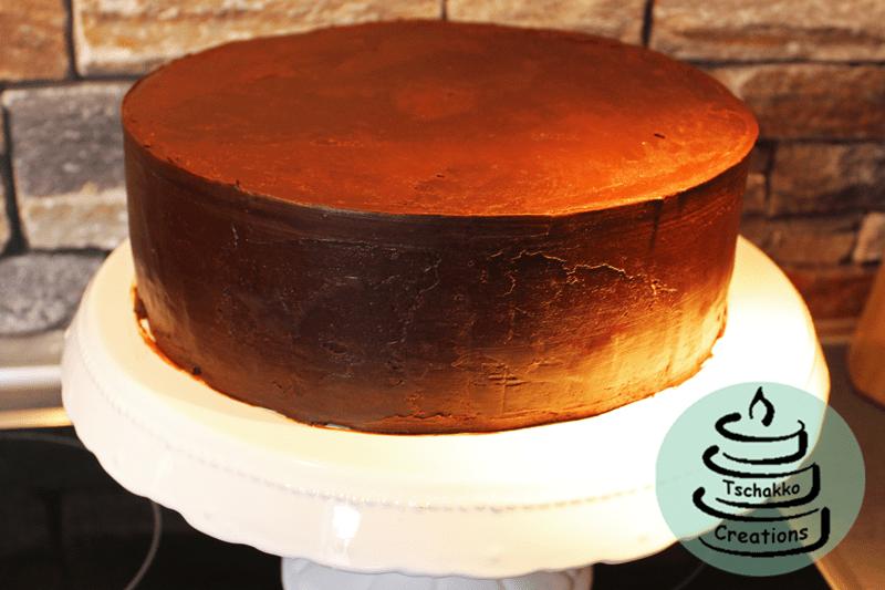 Brownie_Kirsch_Torte_Einstreichen_3
