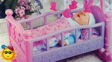 bebe en su cuna juguetes de baby born - Cunas Y Carriolas Para Bebes