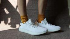 yeezy 350 v2 triple white on feet yeezy 350 boost v2 white on foot