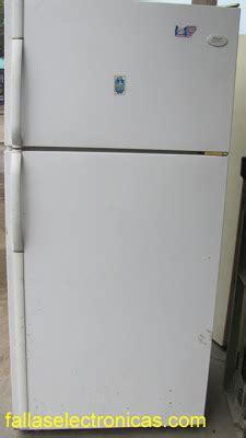 porque mi nevera frigidaire bota agua refrigerador samsung bota agua al piso fallaselectronicas