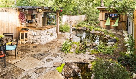outdoor living spaces quiet nature
