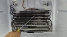refrigerador solo enfria arriba c 243 mo reparar un refrigerador que congela pero en el 225 rea de verduras no enfria