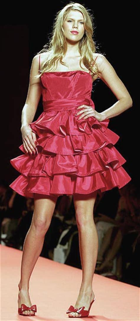 alexandra richards models dress betsey johnson walks runway