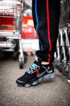nike off white vapormax black on feet white x nike air vapormax black on dead stock sneakerblog