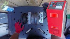 como ponerle aceite a un compresor como revisar el aceite de un compresor de aire acondicionado de auto
