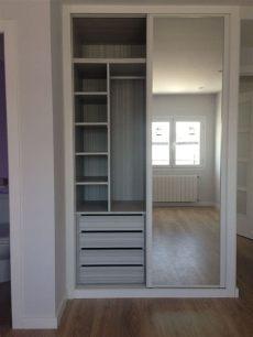 reformaplus armario lacado con espejo e interior dise 241 o reforma en madrid armarios - Disenos De Roperos Para Dormitorios Con Espejos