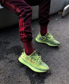yeezy boost 350 v2 frozen yellow outfit yeezy boost 350 v2 quot semi frozen yellow quot sneakers estilo masculino cal 231 a masculina