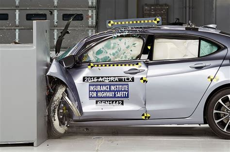 2015 acura tlx earns iihs top safety pick