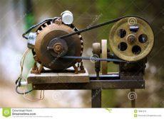 motor con polea casero polea y motor foto de archivo imagen de electr 243 nica 19957316