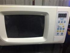 enchufo la heladera y salta la termica solucionado abro puerta microondas y salta la t 233 rmica yoreparo