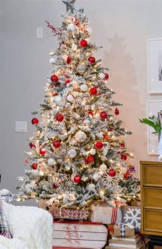 give your tree a flocking this christmas vancouver a merry and bright home tour part 1 the home i create