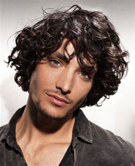 cool curly hairstyles men mens hairstyles haircuts