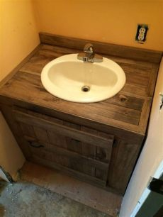 10 awesome diy pallet projects for the bathroom - Pallet Wood Bathroom Vanity