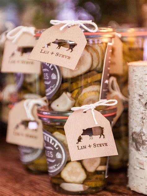17 edible wedding favors guests love