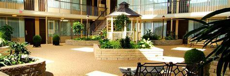 skyline hotel waterpark book stay niagara falls ontario