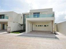 casas en venta merida yucatan con piscina casa en venta m 233 rida yucat 225 n con 3 recamaras piscina en privada porto yucat 225 n inmuebles24