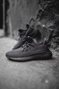 yeezy boost 350 v2 color white black the yeezy boost 350 v2 black returns on black friday fashion inspiration and discovery