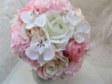 was kostet ein brautstrauss mit orchideen ein brautstrau 223 mit zarten orchideen in rosa t 246 nen creme und wei 223 brautstr 228 u 223 e strau 223