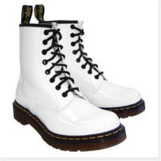 white shiny doc martens such a trendy item right now there are some scuffs but i how to - How To Get Scuffs Off White Doc Martens